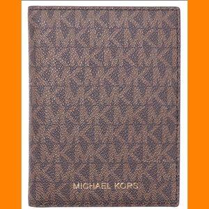 Michael KorsTravel Passport Wallet Brown/Acorn